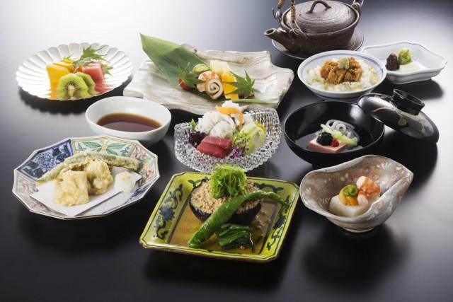 18F 日本料理 京都つる家