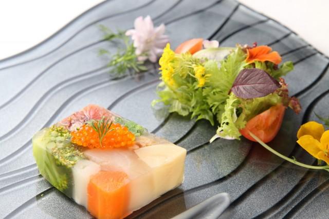 リノベーションした土蔵で堪能するフランス料理