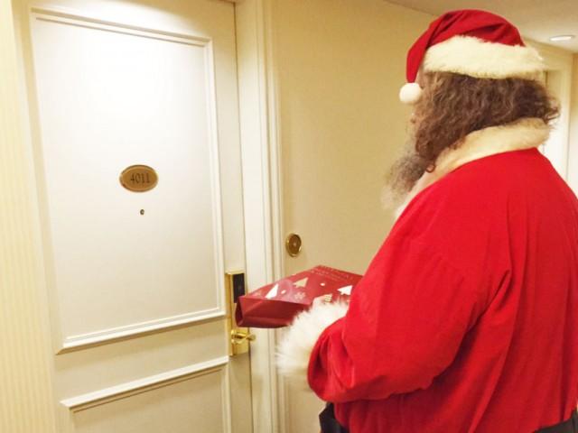 サンタクロースがプレゼントをお届けします
