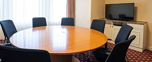 8. Private meeting room 2 hours free (maximum 10 people)