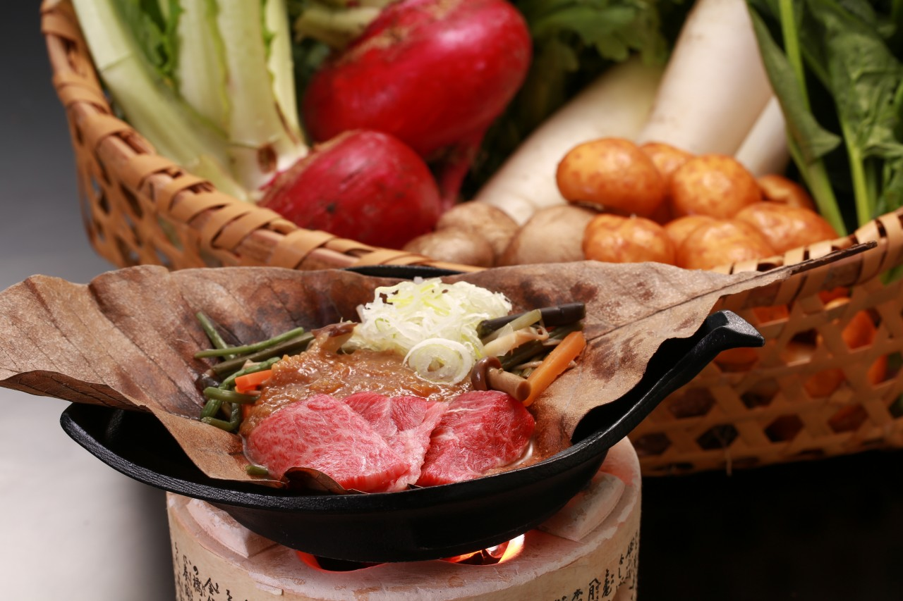 飛騨牛 朴葉味噌焼