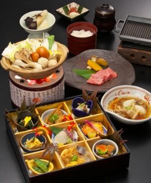 <GoToトラベル割引対象>日本料理で旬を味わう宿泊プラン ~35㎡以上のお部屋と10種の露天風呂巡り~(プランコード:HP74K)