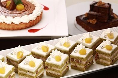 抹茶と小豆のショートケーキ
