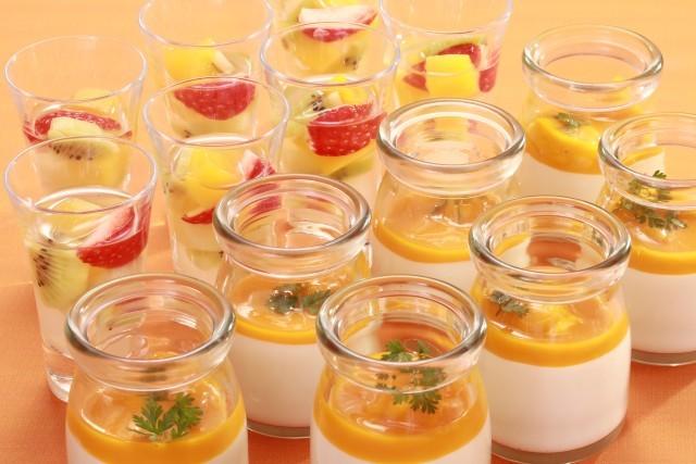 カクテルフルーツ&マンゴー風味のヨーグルトムース