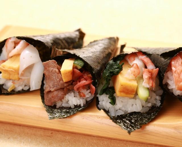 旬の海鮮や飛騨牛をお好みの手巻き寿司で